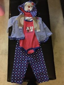 Girl's 12 Month 3 piece outfit $5