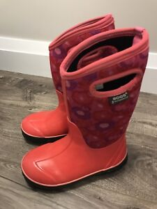 Girl's Bogs Winter Boots, Size 1