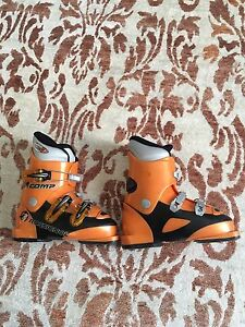 Youth/Kids/Boys ROSSIGNOL ski boots size 20.5