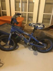 Boy kids bike for sale, go for 3-4 year olds
