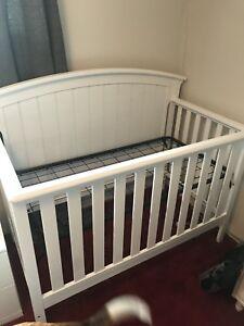 Brand new child craft 4 in 1 crib