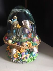 Musical Easter Snow Globe