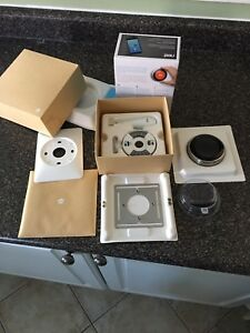 3rd GENERATION nest thermostat STEEL