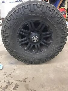 35x12.5R17 Trail Grapplers