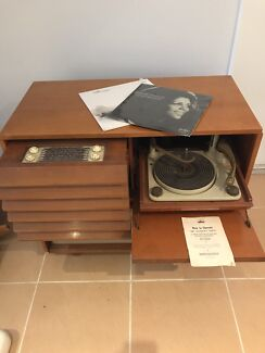 His Masters Voice Gramophone Radio Turntable Cabinet