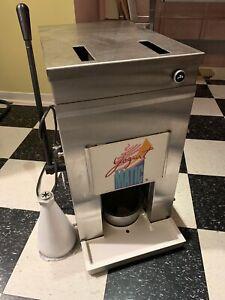 mélangeur à yogourt glacé Yogurt Matic 1200$