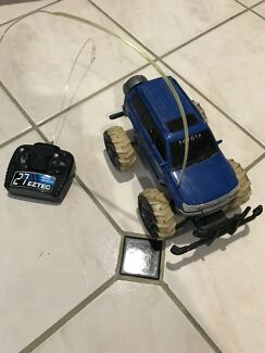 Remote Controlled Car- Toyota Landcruiser
