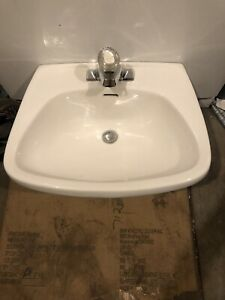 Pedestal Sink with Tap