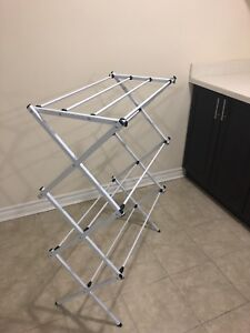 Collapsable Clothes Rack