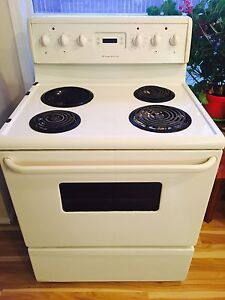 Electric Frigidaire stove for $100.