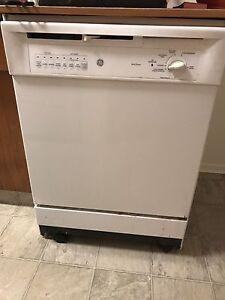 Free Dishwasher (pick up pending)