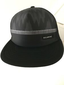 BILABONG  BASEBALL CAP  LIKE NEW