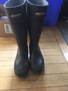 Steel toed rubber boots size 11