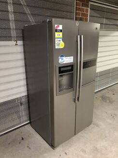 Samsung 620 litre Stainless steel side by side fridge.