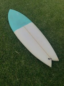 Surfboard - 5'10 Quad Fish