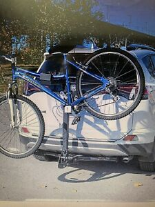 SOLD PENDING PU Bike carrier for up to 4 bikes