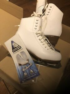 Brand New Women's ice skates - Size 7 - Fits Size 8.5 or Size 9