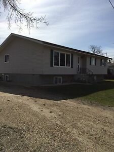 HOUSE FOR SALE!!!!!     GLADSTONE,MB.