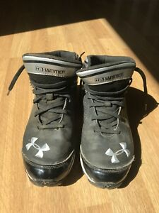 Under Armour Kids football cleats size 5 1/2