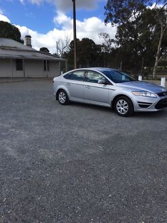 Ford mondeo 2010 patrol unleaded  low km