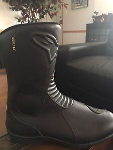 Gore Tex biker boots mint used once men's size 9