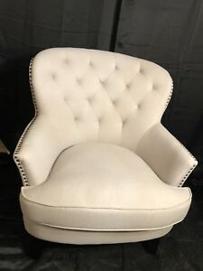 Brand new accent chair/ Nouvelle chaise d'appoint