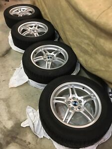 NOKIAN ALL WEATHER TIRES ON ALLOY RIMS - 3000KM - FITS BMW X5