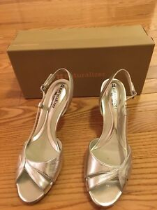 Like New Naturalizer Heels For Sale