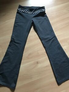 One tooth yoga pants, size small