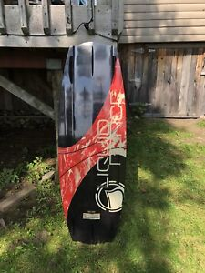 Wakeboard 138cm- boots/binding (7-9) + carry bag