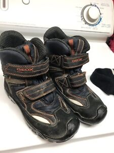 Size 3 boots - Geox