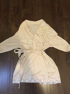 Motherhood Maternity/ Nursing Lace Wrap Robe! NWOT