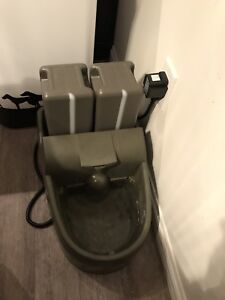 Like NEW PETSAFE Indoor/ Outdoor Dog/ Pets Water Fountain