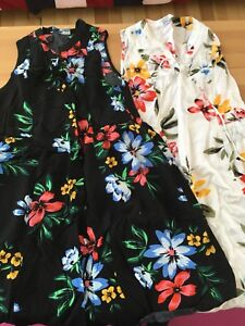 Old Navy dresses (2) small/ 2 Robes fleuries Old navy petites