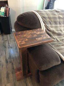 Table de salon en bois recyclé