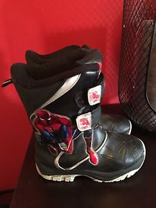 Snow boot size 13 toddler