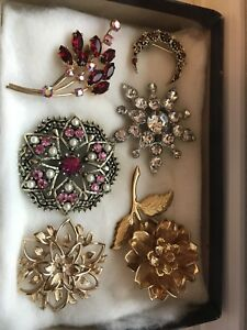Vintage brooches, most signed.
