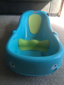 Infant bath tub