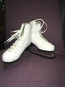 Girls skates size 10 Cambridge Kitchener Area image 1