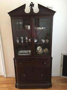 Eagle Cabinet Hutch
