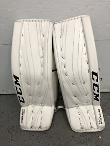 Goalie equipment / équipement gardien de but