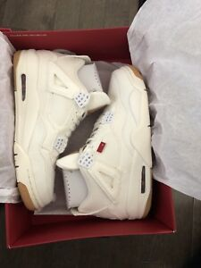 White Levi's size 10 Need Gone Today