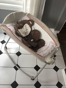 Baby rocking chair/seat
