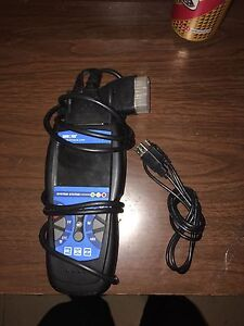 Selling my innova code reader OBD2 an up