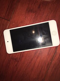 32gb iPod touch 6th generation with gecko case