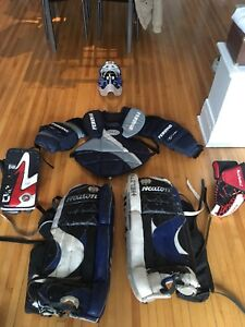 Hockey goalie equipment/équipement gardien but