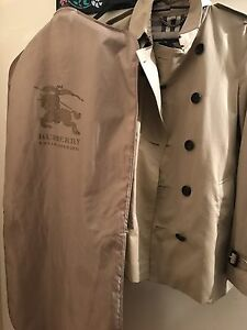 REAL BURBERRY COAT NOW FOR SALE Highland Park Gold Coast City Preview