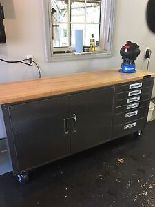 Mastercraft rolling toolbox / workench