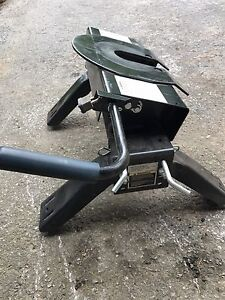 Fifth Wheel Hitch-Pro Series 16K with mounts