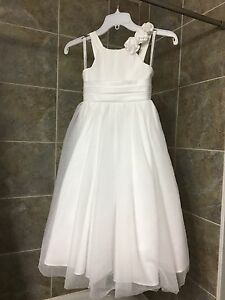 White size 5 Alfred Angelo flower girl dress